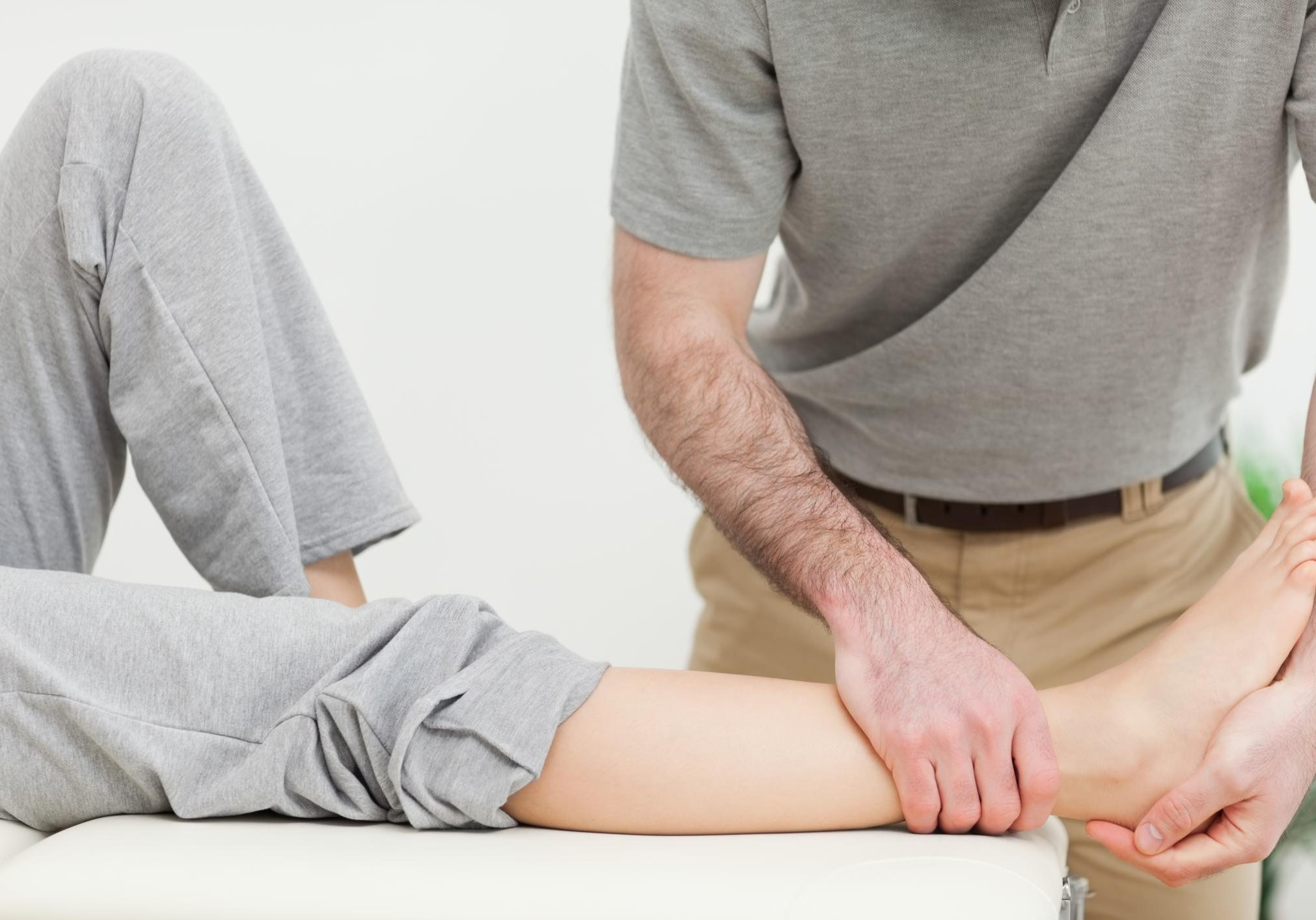 Roseville Chiropractor - Hip Knee and Foot Pain 2